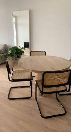 Dining Room Inspiration, Home Decor Inspiration, Decor Ideas, Dream Home Design, Home Interior Design, Home Board, Aesthetic Room Decor, Apartment Design, Home And Living