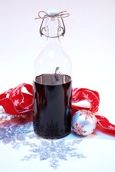 Homemade Kahlua - this actually sounds really easy - who wouldn't like some alcohol to warm up the holidays!