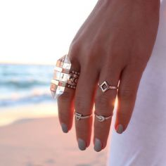 gypsylovinlight:  (via Poatri Cassiopeia Ring)
