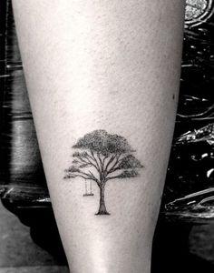 Amo encontrar tatuagens fofinhas, simples e com traços finos, dessas que dá…