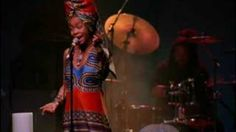Erykah Badu - Tyrone (Live) - YouTube