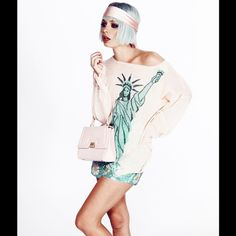 Wildfox couture Statue of Liberty New York Lenon Nwt taking offers and trades Wildfox Sweaters