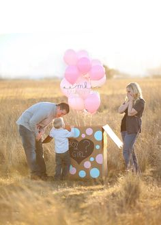 Super cute surprise gender reveal images from Southern Oregon professional maternity photographer Mandy Kay Photography. Someday...