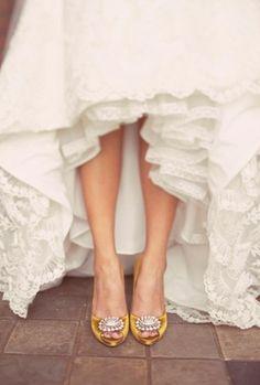manolo blahnik mustard wedding shoes. The Ultimate Wedding Shoes 2013 www.weddingsonline.in