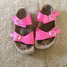 Ladies size 7 Birkenstock sandals Ladies size 7 Birkenstock sandals in pink! Great shoes in great shape! Let me know of any and all questions thanks! Birkenstock Shoes Sandals