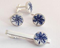 Dasspeld en manchetknopen porselein Delfts blauw by DeEersteKeramiekkamer via DaWanda