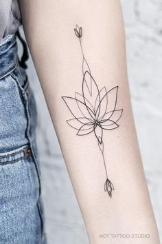 Lotus tattoo on the arm for girls. Forearm Tattoo For Girls - The minimalism of this contour female tattoo on the arm captivates. Female tattoo on the arm with o - Arrow Tattoos, Back Tattoos, Mini Tattoos, Forearm Tattoos, Small Tattoos, Flower Tattoos, Finger Tattoo Designs, Dragon Tattoo Designs, Henna Tattoo Designs
