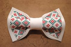 Embroidered Christmas handmade men bow tie  Colour: white Pattern: red, green Size:7*12 cm/3'' * 5'' inches  **DISCLAIMER**: All Bows are handmade so sizes are approx... #bowties #accessories
