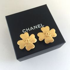 Authentic 1995 CHANEL Lucky Clover CC Logo Clipped On Earrings  #vintageCHANEL #CHANEL #vintageCHANELearrings #vintageCCearrings #vintageCCCHANELearrings #vintageCHANELpearlearrings #CHANELpearlearrings #CHANELcloverearrings
