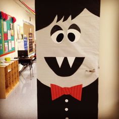 Halloween Door Display and Bulletin Board Idea