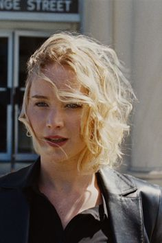 jenniferlawurence: Jennifer Lawrence, Joy (2015)