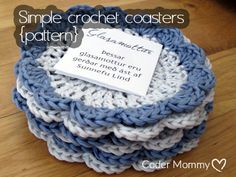 Simple crochet coasters {FREE pattern}   Coder Mommy