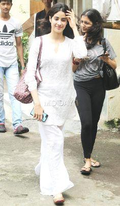 Photos: Jhanvi Kapoor looks stunning in white - Entertainment  #middaybollywood #bollywoodstars #bollywoodceleb #bollywoodstarkids #upcomingstars #bollywoodmovies #bollywoodgosip #bollywoodupdates