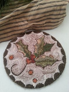 BRIAR COTTAGE STUDIO: Holly: Finish Rug Hooking Designs, Rug Hooking Patterns, Weavers Cloth, Christmas Rugs, Punch Needle Patterns, Hand Hooked Rugs, Craft Punches, Beading Needles, Penny Rugs