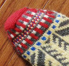 Bosnian Slipper Socks {Ethnic Knitting Adventures] : Knitty First Fall 2011