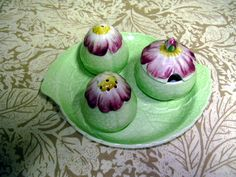 Carlton ware Cruet set in an early version of the Wild Rose pattern Green China, Condiment Sets, Carlton Ware, English China, Vintage China, Decorative Objects, Cottage Style, Cup And Saucer, Tea Pots