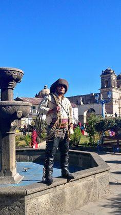 Qorilazo en Plaza de Armas de Chumbivilcas por su 189 aniversario.