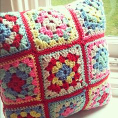 SewHappy Stitchery: The Beginnings of a Crochet Obsession Crochet Cross, Crochet Home, Love Crochet, Beautiful Crochet, Knit Crochet, Hippie Crochet, Granny Square Crochet Pattern, Crochet Squares, Crochet Doilies