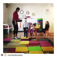 """Unplugged coding activity 🙌 Kids learn different """"code"""" (tapping on different parts of the body) lead to different action. Motor Skills Activities, Kids Learning Activities, Stem Learning, Learning Tools, Stem Classes, Coding For Kids, Help Teaching, Preschool Kindergarten, Videos"""