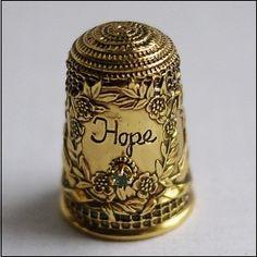 сувенирный наперсток, США, Franklin Mint/USA, серебро, камень, растение, Hope - надежда , НА нап - цветы, камень -? Внутри - Sterling 925 19...