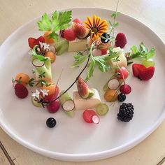 Brie cheese melon watermelon wild berries grapes radishes celery fig by @luca.rosati  Tag your best plating pictures with #armyofchefs to get featured!  ------------------------ #foodart #truecooks #foodphoto #chefsroll #chefsofinstagram #foodphotography #hipsterfoodofficial #foodphotographer #gastroart #wildchefs #delicious #instafood #instagourmet #gourmet #theartofplating #gastronomy #foodporn #foodism #foodgasm #plating #f52grams #picsoftheday #dishoftheday #watermelon #melon #brie…