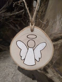 Angel Ornament - Wood Burned Ornaments / Gift Tags - can be PERSONALIZED This listing is for one Angel ornament. Some angels have blonde hair, brown hair or are plain. Please specify at check o. Wood Ornaments, Diy Christmas Ornaments, Diy Christmas Gifts, Christmas Projects, Holiday Crafts, Hair Ornaments, Christmas Wrapping, Wood Burning Crafts, Wood Crafts