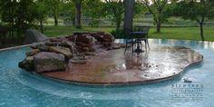 An island in a pool, hmmmm?  Richard's Total Backyard, Houston, TX