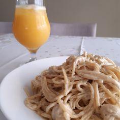 Macarrão off white Tahini, Off White, Spaghetti, Ethnic Recipes, Food, Hardboiled, Spices, Tofu Scramble, Spaghetti Noodles