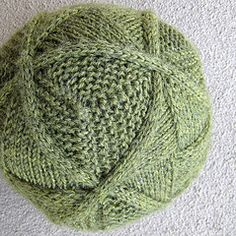 Entrelac cube with continuous cables. Free pattern