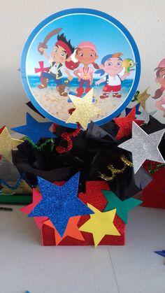 Centro de mesa de Jake y los piratas Pirate Birthday, Pirates, Creative, Party, Fiestas, Centerpieces, The Creation, Bebe, Parties