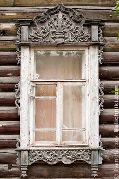 Томск, деревянный оконный наличник №3