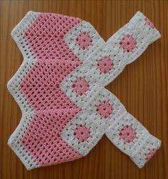 Les granny sont partout cet été, alors pour varier les plaisirs un petit granny avec un coeur en forme de fleur rose sur fond blanc. Un...