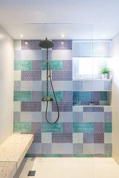 #madeamano Work - Casa M - Bathroom: patchwork of KOMON tiles | 20x20 e 20x40 - Studio: Make Interiors @make.interiors - Architects: Marta Cammarano | Architetto Alessandra Cappelletti  Dealer: Lab 87 Roma @lab_87_roma  Ph: Francesca Maiolino    #ihaveathingwithtiles #walltiles #madeinitaly #tiletuesday #tilework #tileporn #dsfloors #interiordecorating #flooring #wallcovering #floorsilove #homedecoration #floor #interiordesign #interiorstyling #tileaddiction #handmade #furniture #decor…