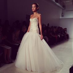 Another drop waist beauty. Kenneth Pool Spring 2014.