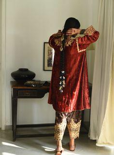 Salwaar Archives - Heena Kochhar Velvet Pakistani Dress, Pakistani Dress Design, Pakistani Dresses, Indian Dresses, Indian Outfits, Pakistani Clothing, Pakistani Fashion Party Wear, Indian Fashion, Nice Dresses