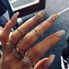 """Nail Game from Latest Kardashian Trends As Kylie Jenner likes to call it, """"Finger Candy"""" is totally in right now. Style Kylie Jenner, Nails Kylie Jenner, Coffin Nails, Acrylic Nails, Kardashian, Kati Perri, Fashion Rings, Fashion Jewelry, Nail Fashion"""