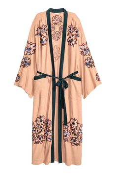 Kimono met kralenborduursel: Een kimono van geweven crinklekwaliteit met…