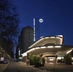 Garage Italia Milano, insegne luminose a Led Milano, insegne led Milano