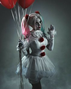 Trying to It My Mark With This Awesome It Halloween Cosplay Costume. Clown Halloween Costumes, Harley Quinn Halloween, Halloween Kostüm, Halloween Cosplay, Halloween Outfits For Kids, Harley Quinn Drawing, Joker Und Harley Quinn, Harley Quinn Cosplay, Margot Robbie Harley