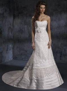 Stunning Applique Beads Working Strapless Flower Empire Wasit Tiered Satin Wedding Dress for Brides
