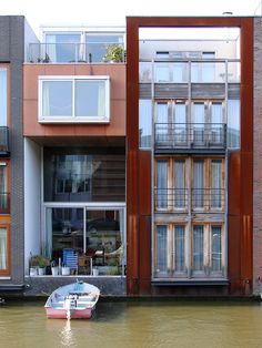 architecture framed: Housing at Borneo-Sporenburg Mini Loft, Modern Buildings, Modern Architecture, Amsterdam Architecture, Amsterdam Houses, Public Space Design, Modern Condo, Container Architecture, Narrow House