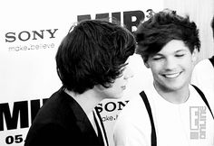When this subtle stare happened.   46 Times Harry Styles And Louis Tomlinson Proved They Belong Together