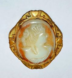 1648~Antique Victorian Goldtone Carved Cameo Pin Brooch Possibly Homemade**