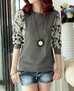 Stylish Round Neck Lace Splicing Long Sleeve T-Shirt For Women