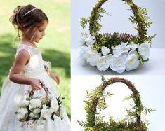 Flower girl basket - BellasBloomStudio Wedding Arch Rustic, Garland Wedding, Diy Wedding, Wedding Backdrops, Wedding Ideas, Cheap Wedding Decorations, Wedding Centerpieces, Flower Crown Wedding, Wedding Flowers