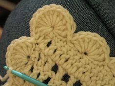 Modify a bit for Mouse Ears: Praying With My Feet: Crocheted Scalloped Border Tutorial