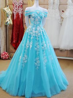 Formal Prom Dresses, Off Shoulder Long Tulle Prom Dresses Lace Appliques Women Dresses Whether you prefer short prom dresses, long prom gowns, or high-low dresses for prom, find your ideal prom dress for 2020 Cute Prom Dresses, Tulle Prom Dress, Beautiful Prom Dresses, Elegant Dresses, Pretty Dresses, Lace Dress, Vintage Dresses, Sexy Dresses, Wedding Dresses