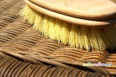 Rimedi per la casa: come pulire le sedie in vimini del giardino