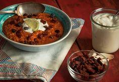 Vöröslencseleves kolbász-chipsszel Goulash, Menu Planning, Chorizo, Food Photo, Stew, Chili, Oatmeal, Food And Drink, Pudding