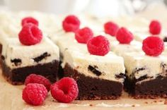 Brownie With oreokrem Norwegian Food, Norwegian Recipes, Chocolate Heaven, Pudding Desserts, Brownies, Nom Nom, Cake Recipes, Cheesecake, Deserts